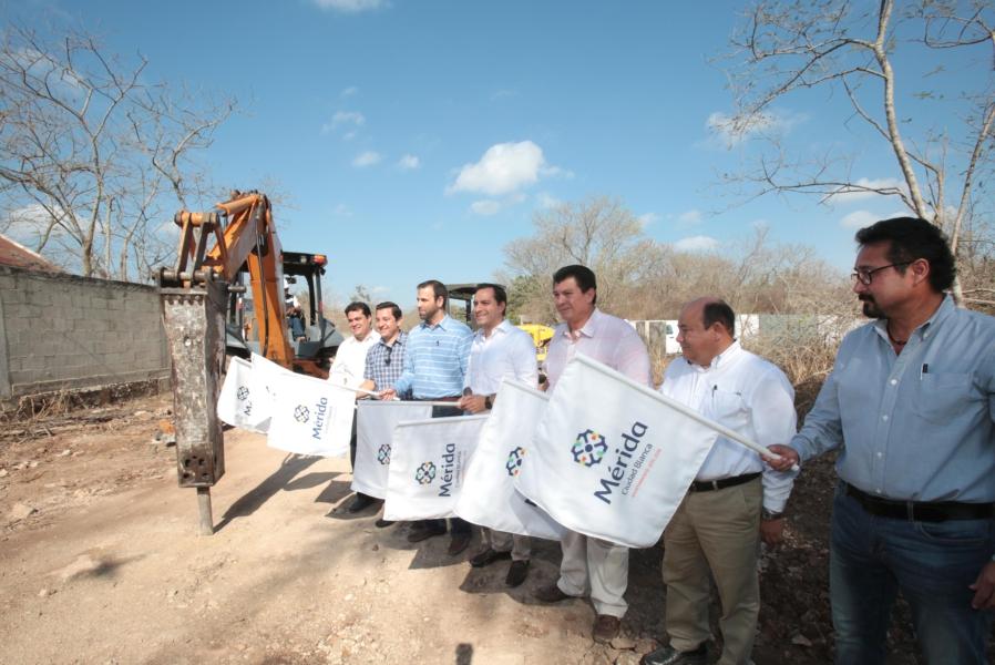 """Alcalde encabeza inicio de construcción de """"pares viales"""""""