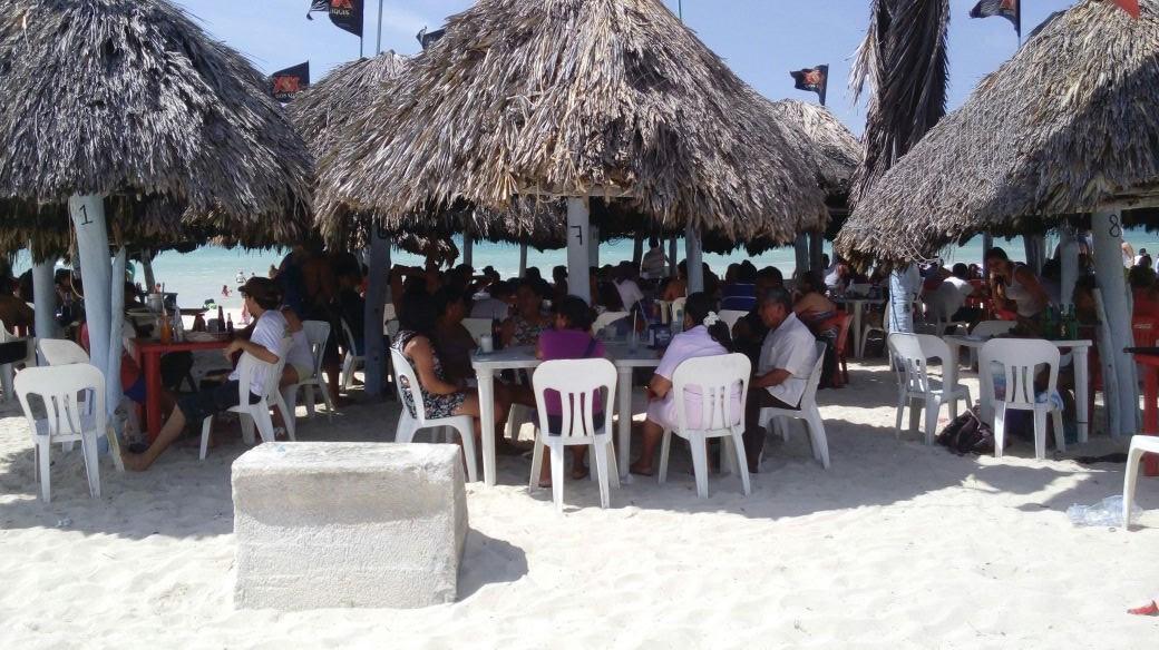 Dinamiza período vacacional economía de costa yucateca