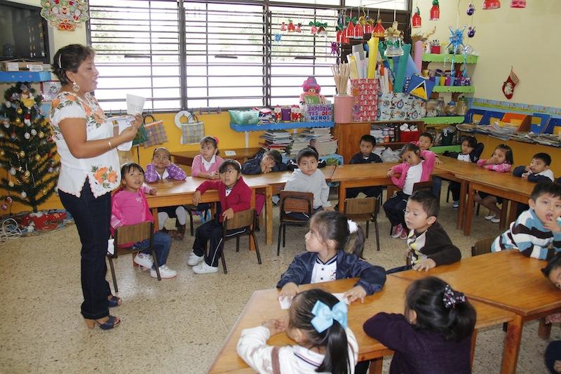 Escuelas de decidirán calendario escolar