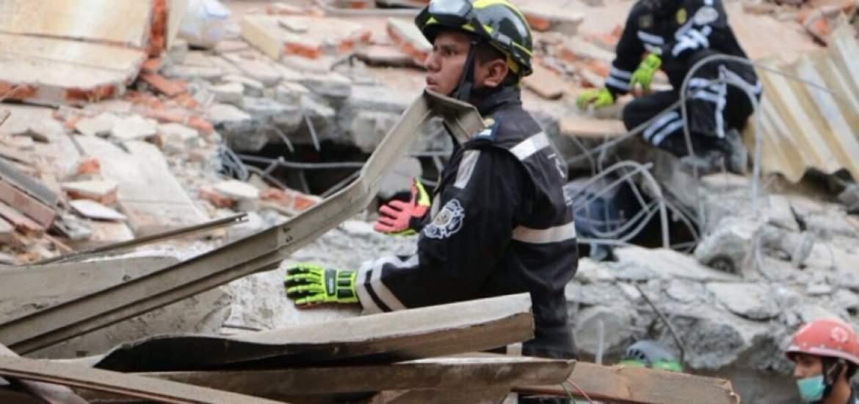 Cifra de muertos por terremoto en Ecuador asciende a 233