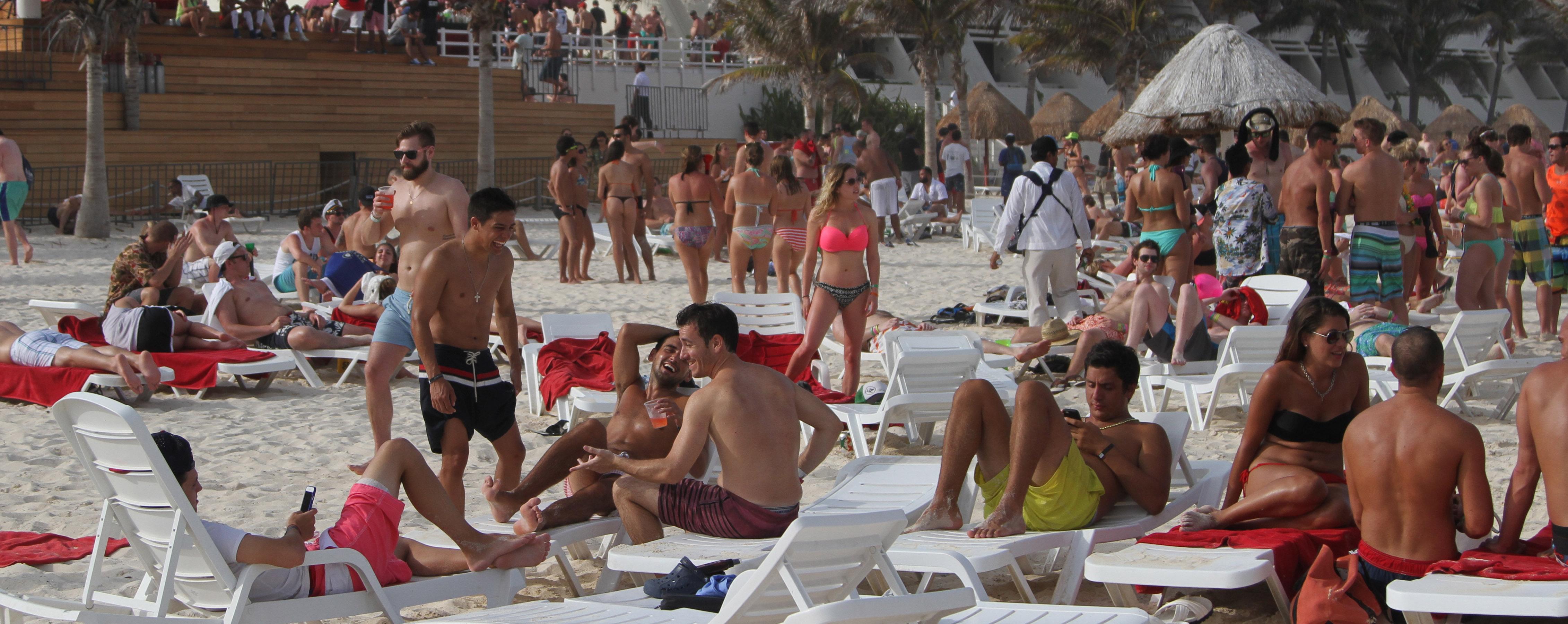 Enferman turistas del Reino Unido en Riviera Maya