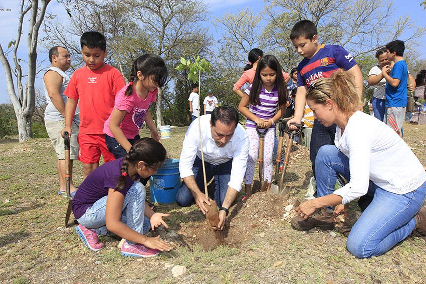 Empresas y Ayuntamiento de Mérida suman esfuerzos por medio ambiente