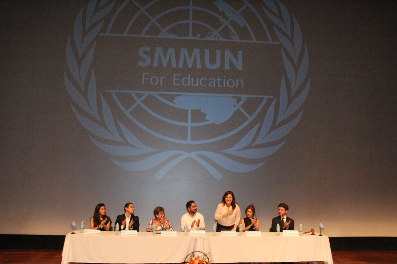 Jóvenes participan en modelo de ONU en sur este de México