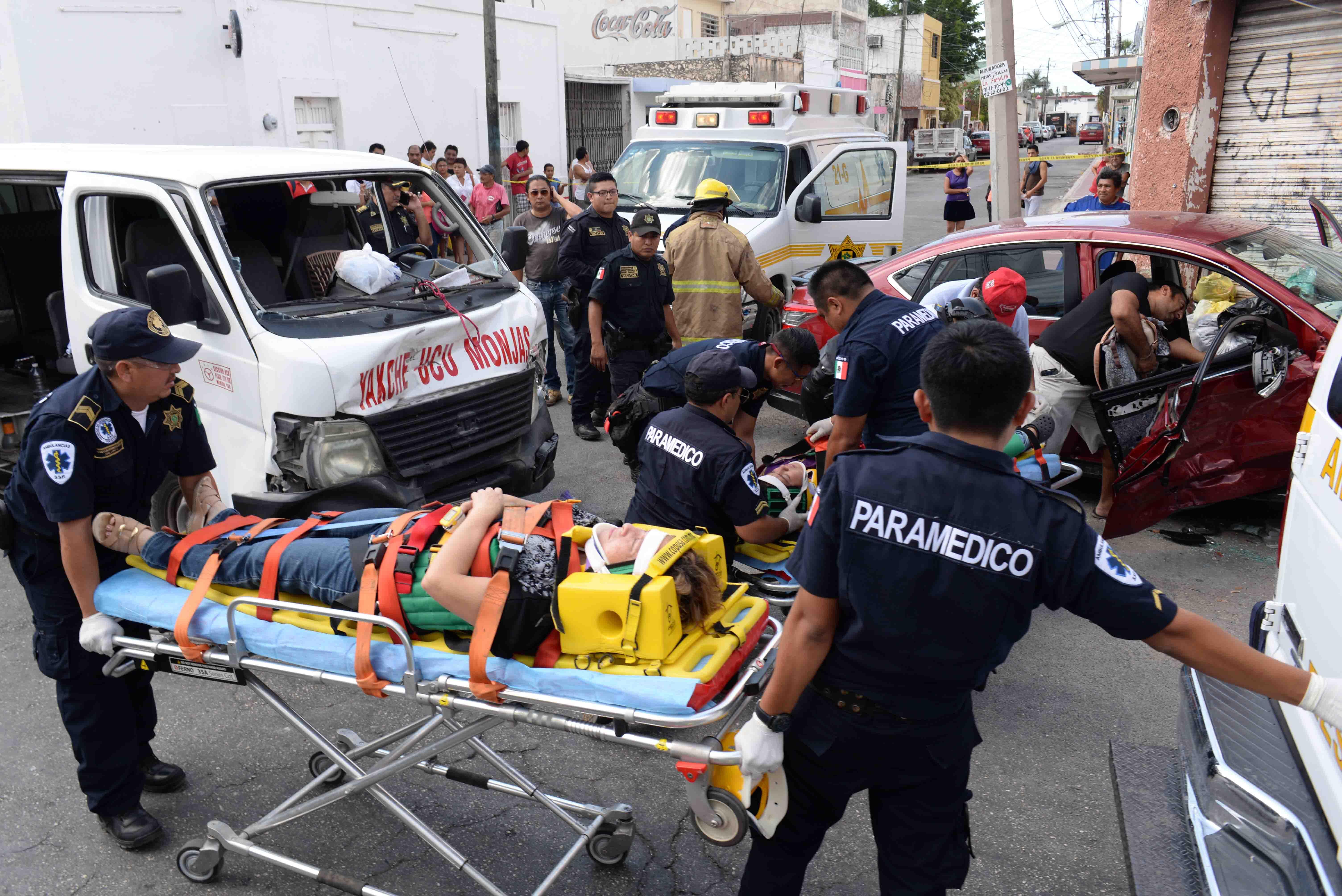 Céntrico accidente deja 8 lesionados