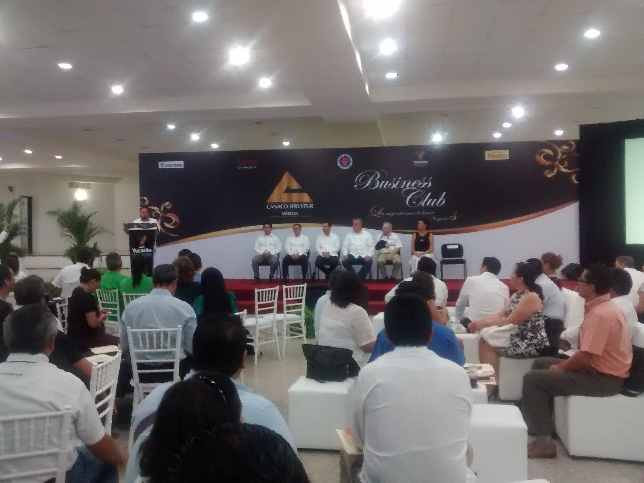 Acuerdan negocios en Canaco Mérida Business Club