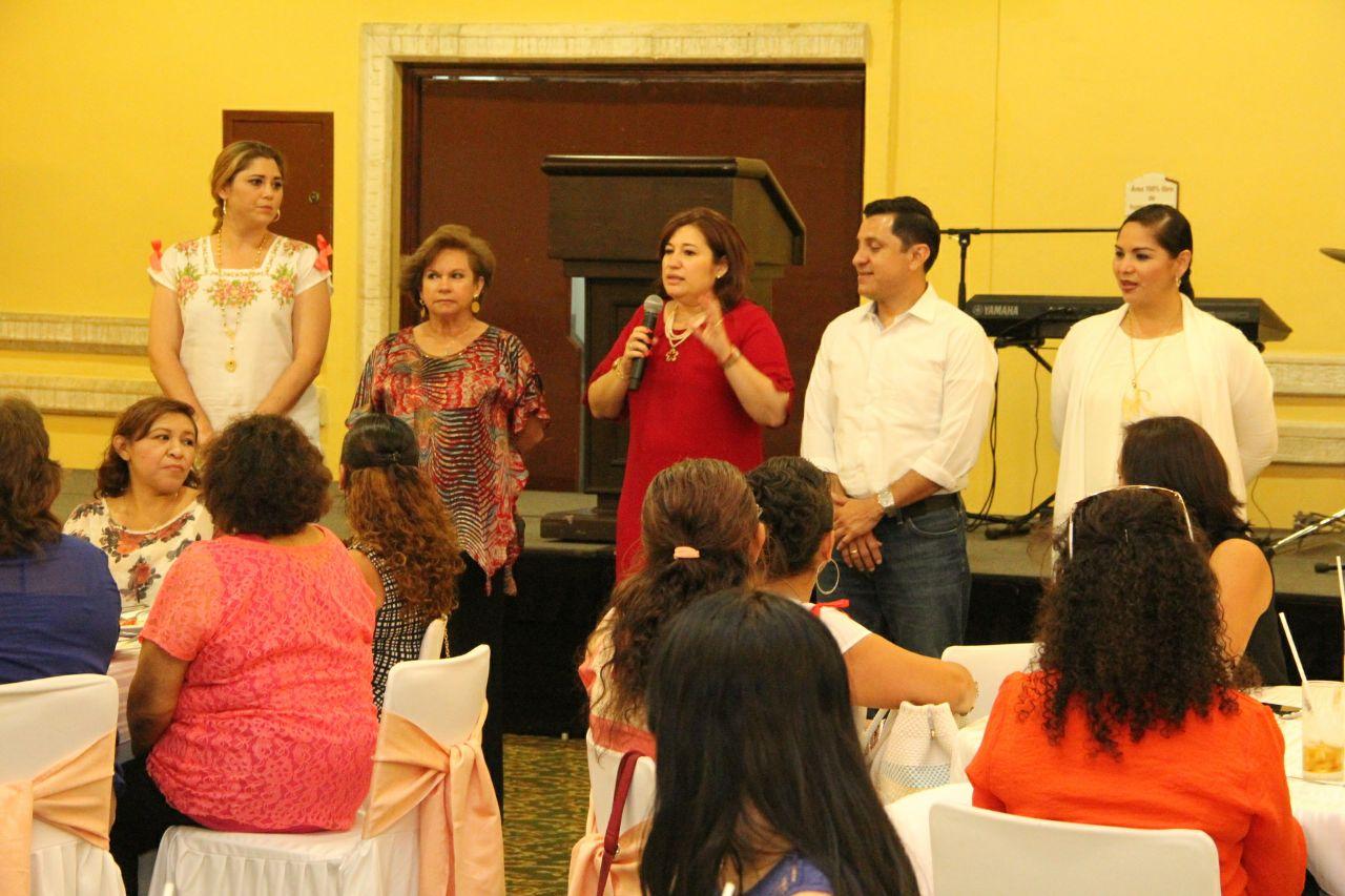 Celebran a madres en Congreso Yucatán