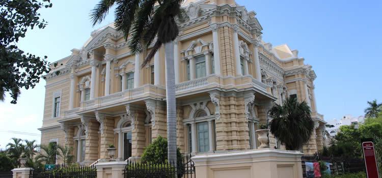 Mitos y realidades del Palacio Cantón