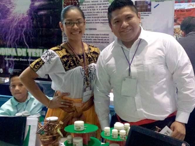 Estudiantes mexicanos crean pomada analgésica con guanábana
