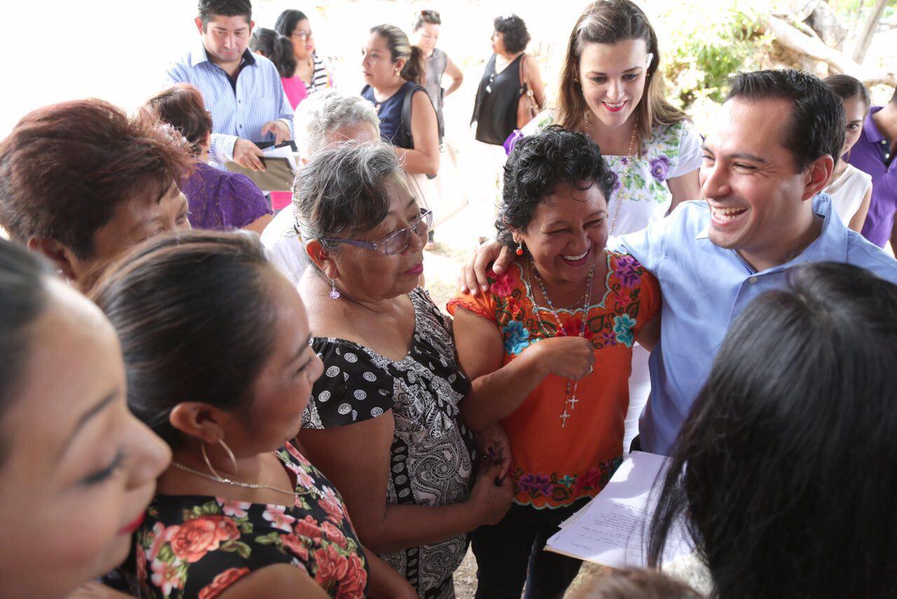 Festejan a mamás en Consejos de participación Ciudadana