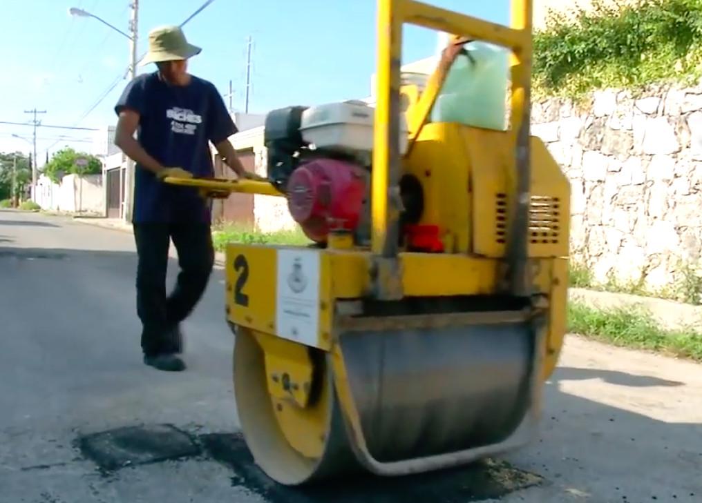 Por lluvias, intensificarán labores de bacheo en Mérida