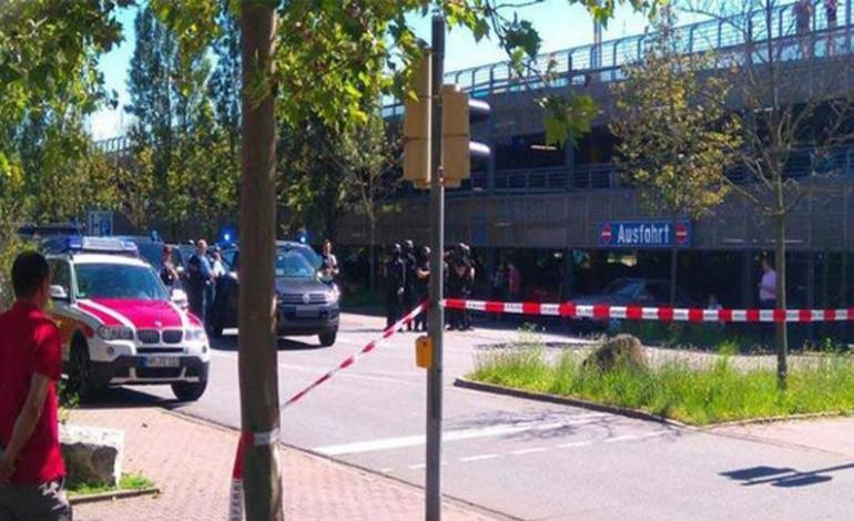 Policía abate a hombre que se atrincheró armado en cine de Alemania