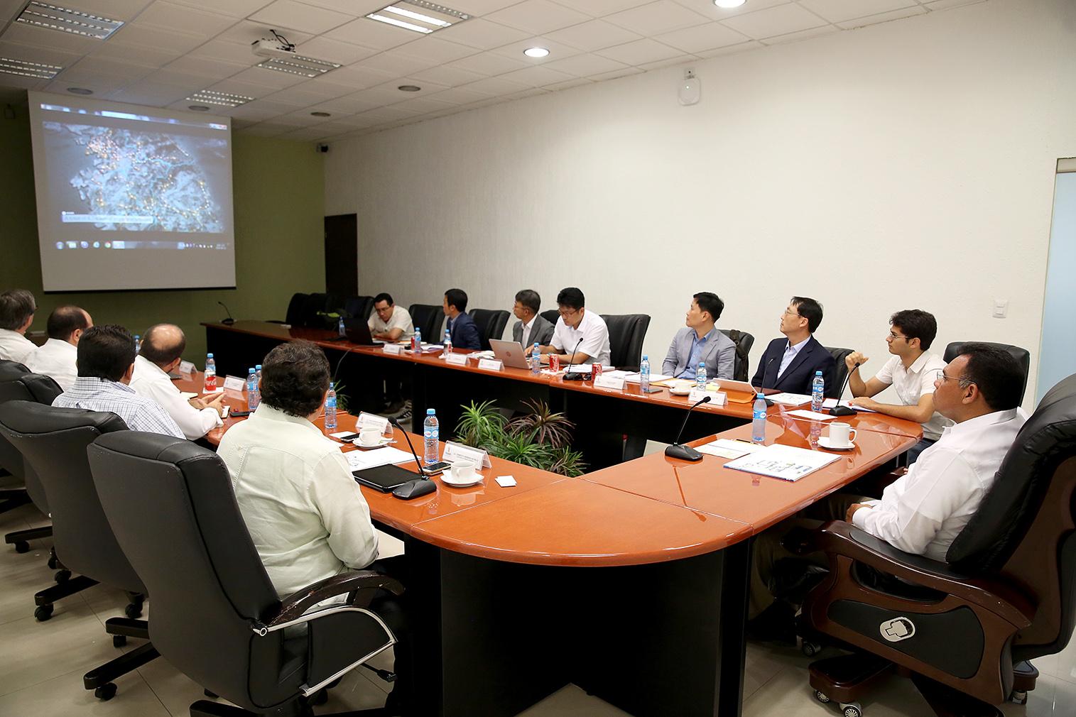 Interesa a coreanos construir planta de gas natural en Yucatán
