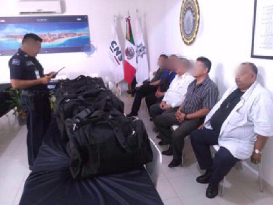 Llevaban 40 millones de pesosen ocho maletas