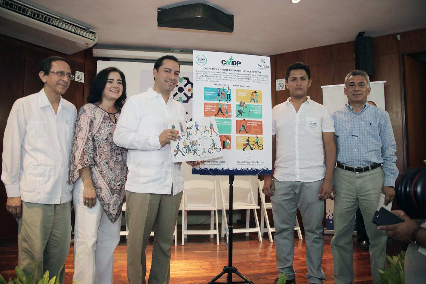 Asume Mérida Carta de los Derechos del Peatón