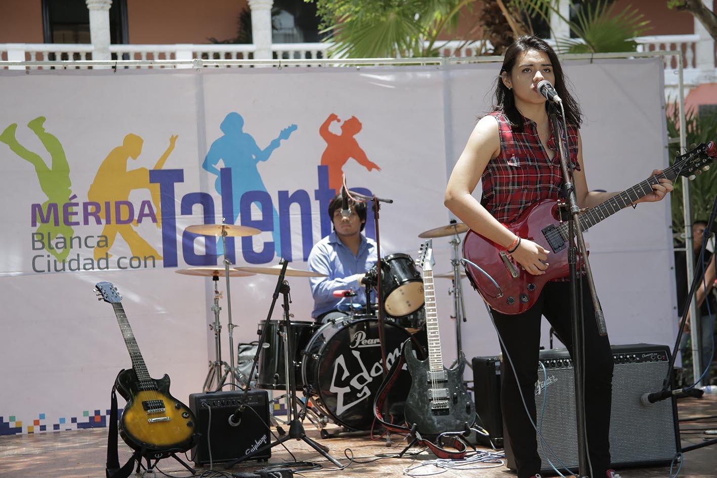 Derrochan talento artístico en Plaza Grande