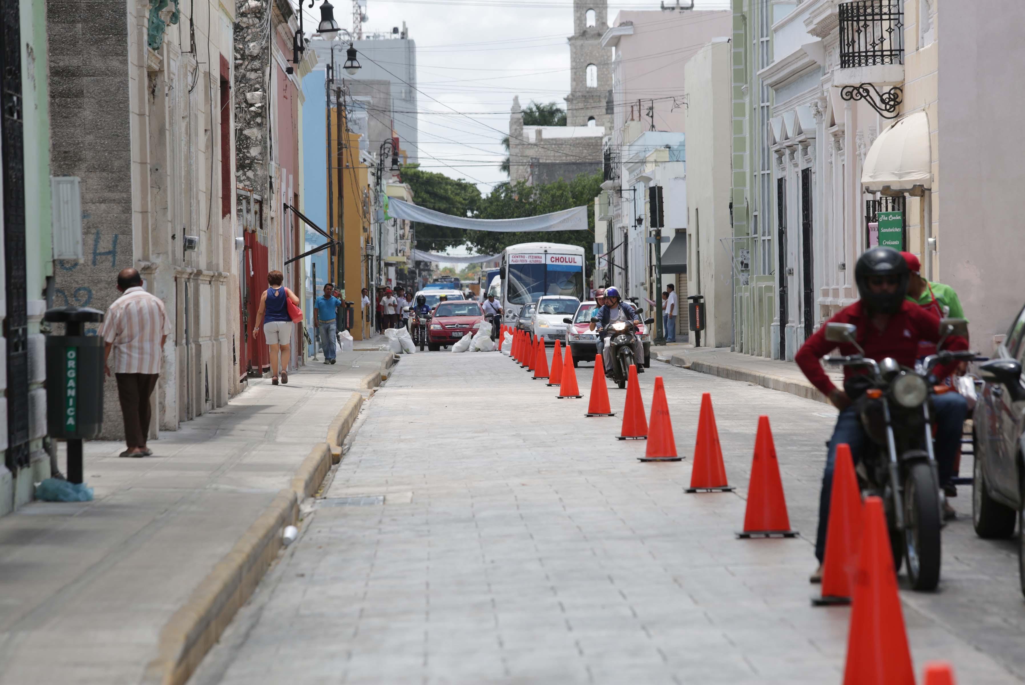 Reubicación de paraderos por reparaciones en centro de Mérida