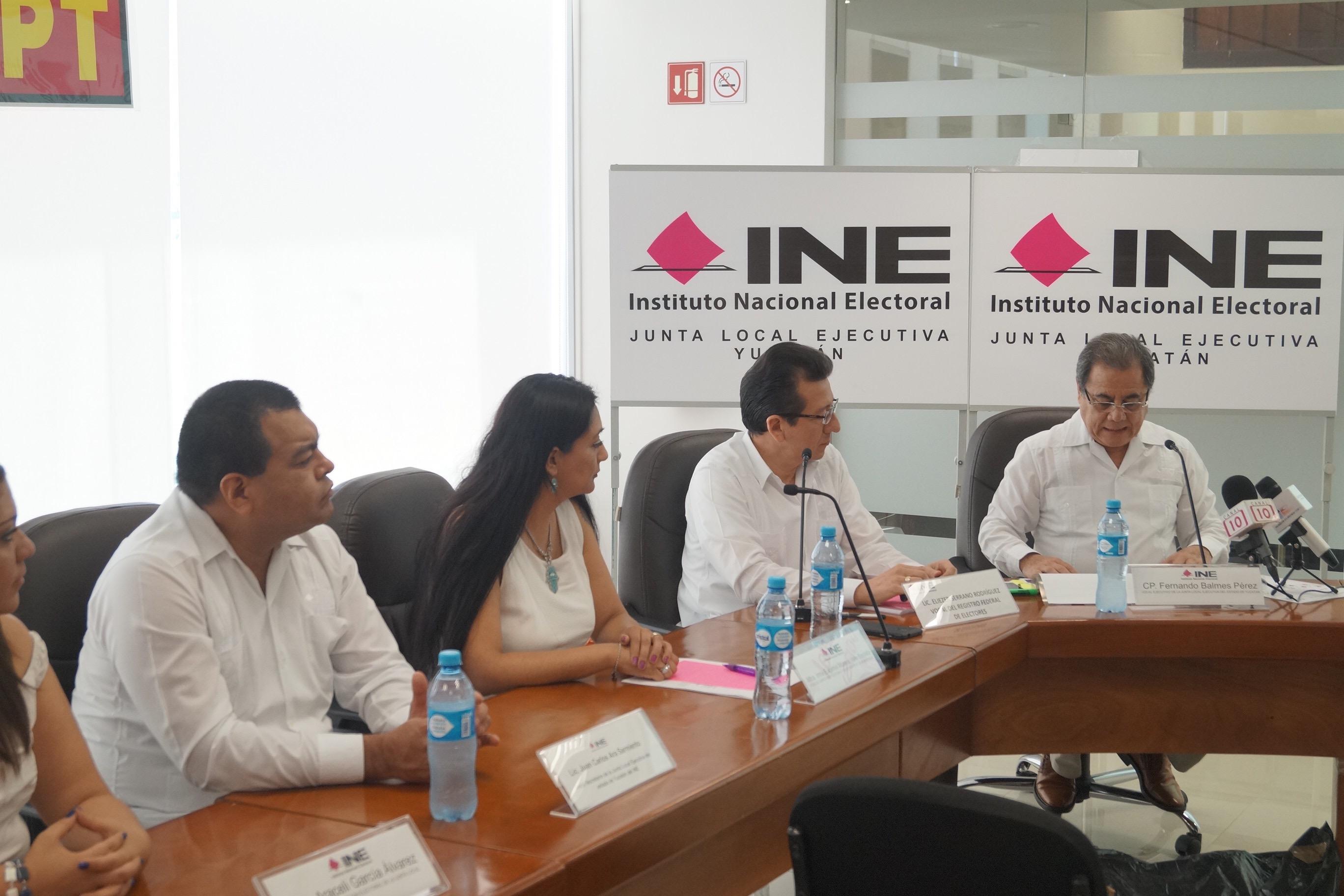 Consultarán a comunidades mayas de Yucatán límites distritales
