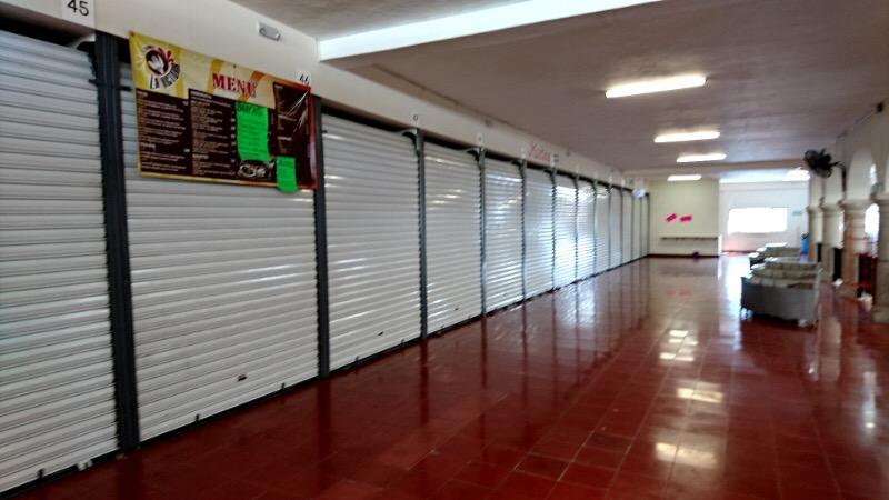 Locatarios de Mercado de la 61 se quejan de bajas ventas