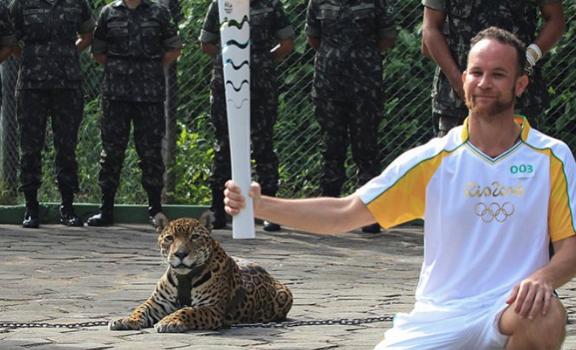 Matan a jaguar en ceremonia de antorcha olímpica