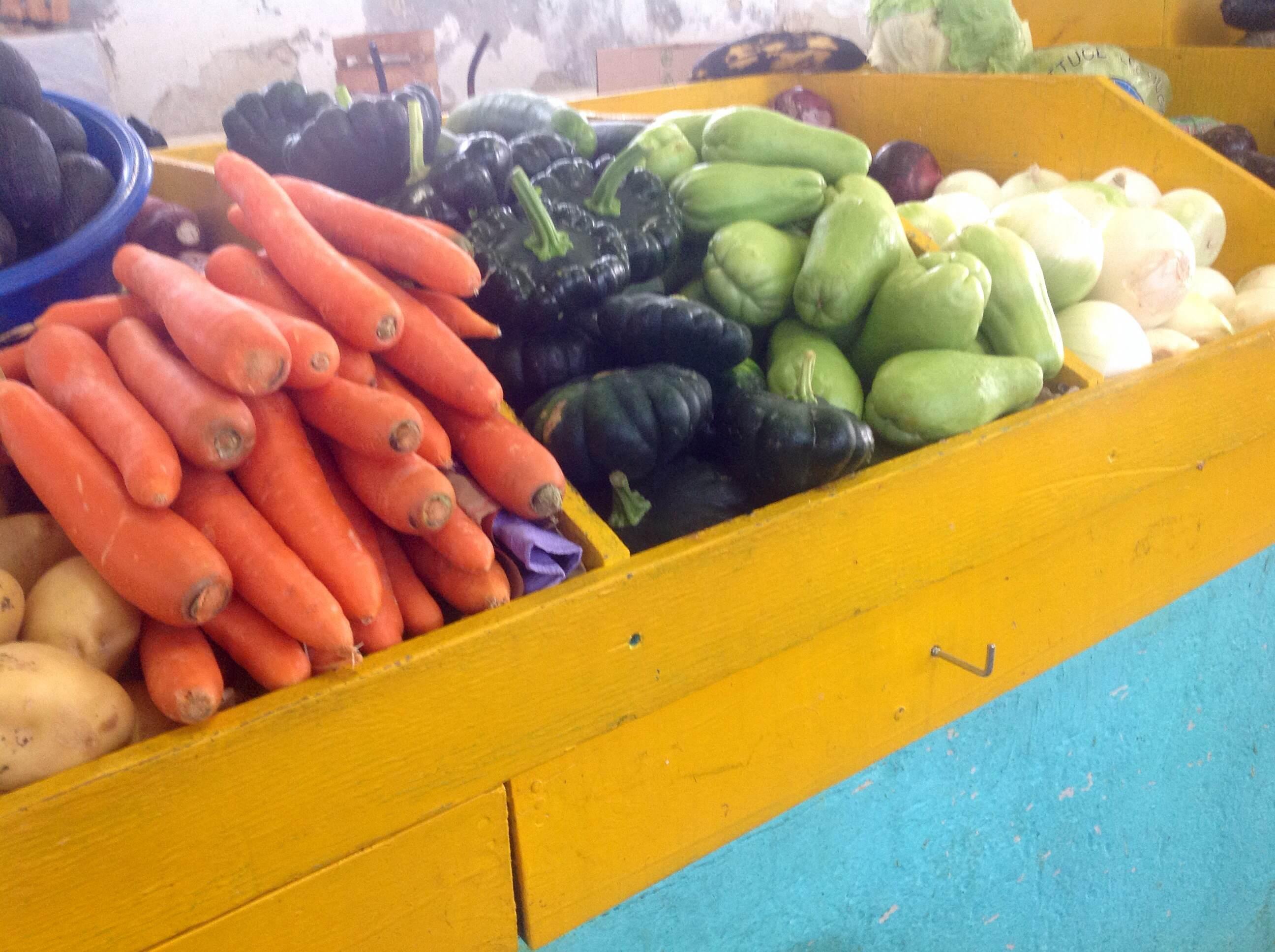 Día de compras en el Mercado de Santiago