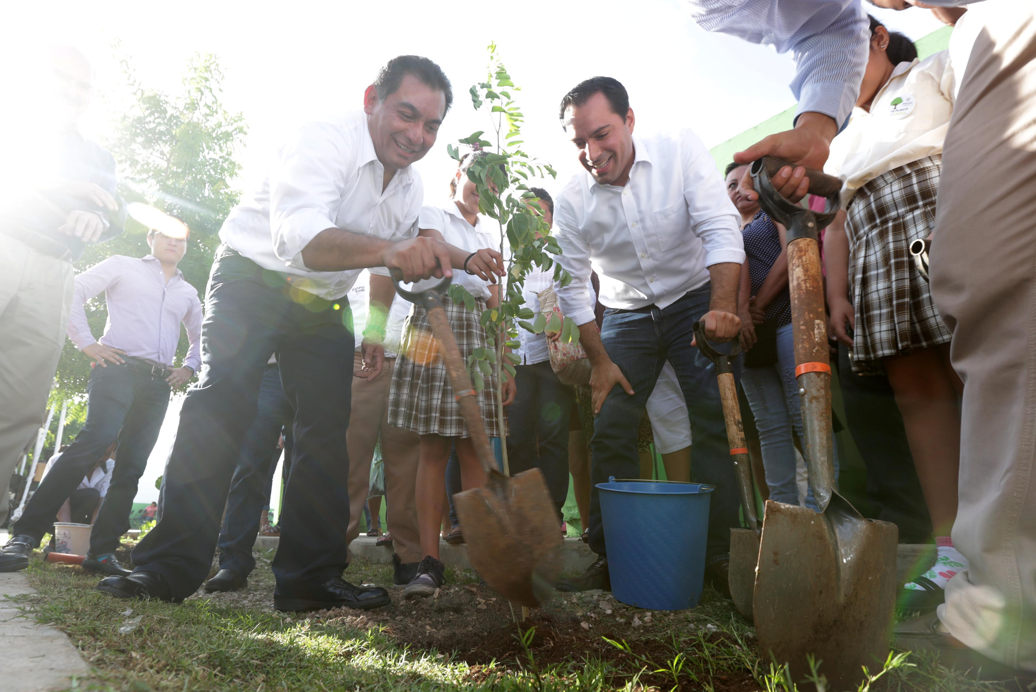 Llevan reforestación a escuelas de preescolar y primaria