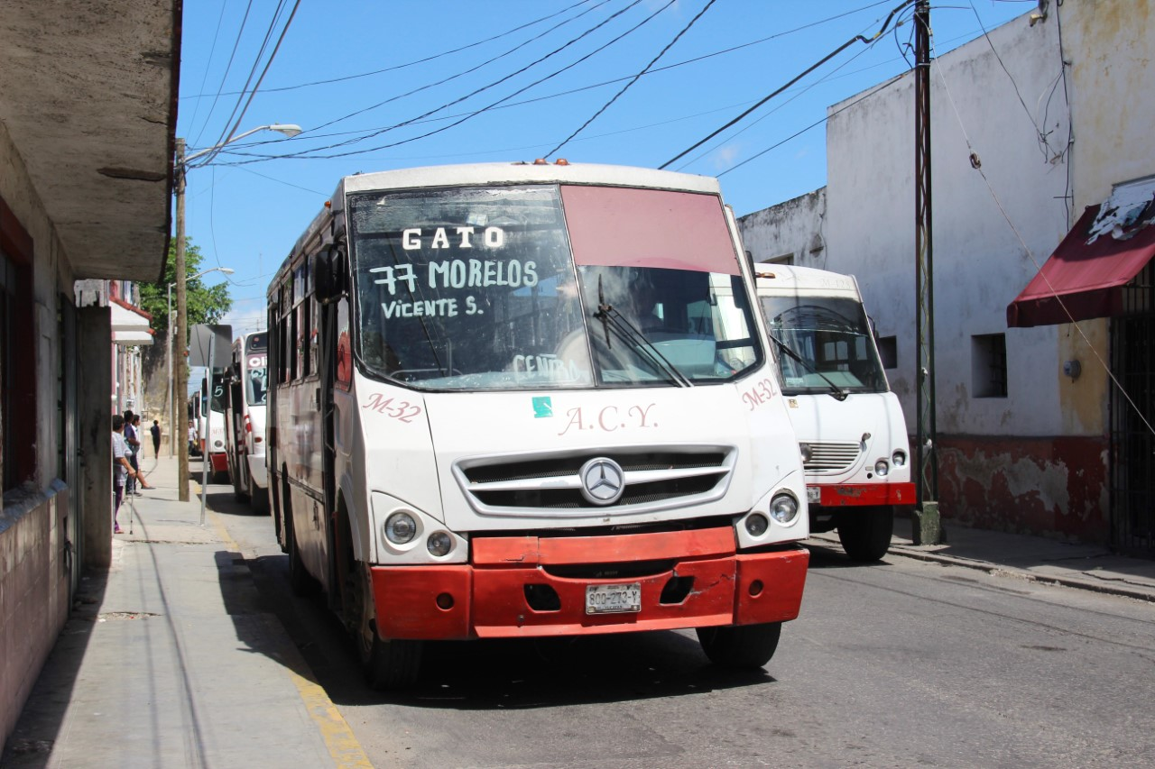 Rutas de transporte regresan paraderos en centro de Mérida