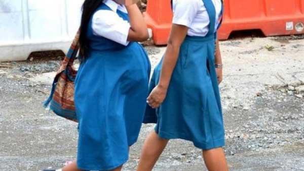 Afectan embarazos y deserciones a adolescentes