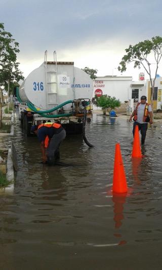 Atienden daños por turbonada en norte y poniente y de Mérida