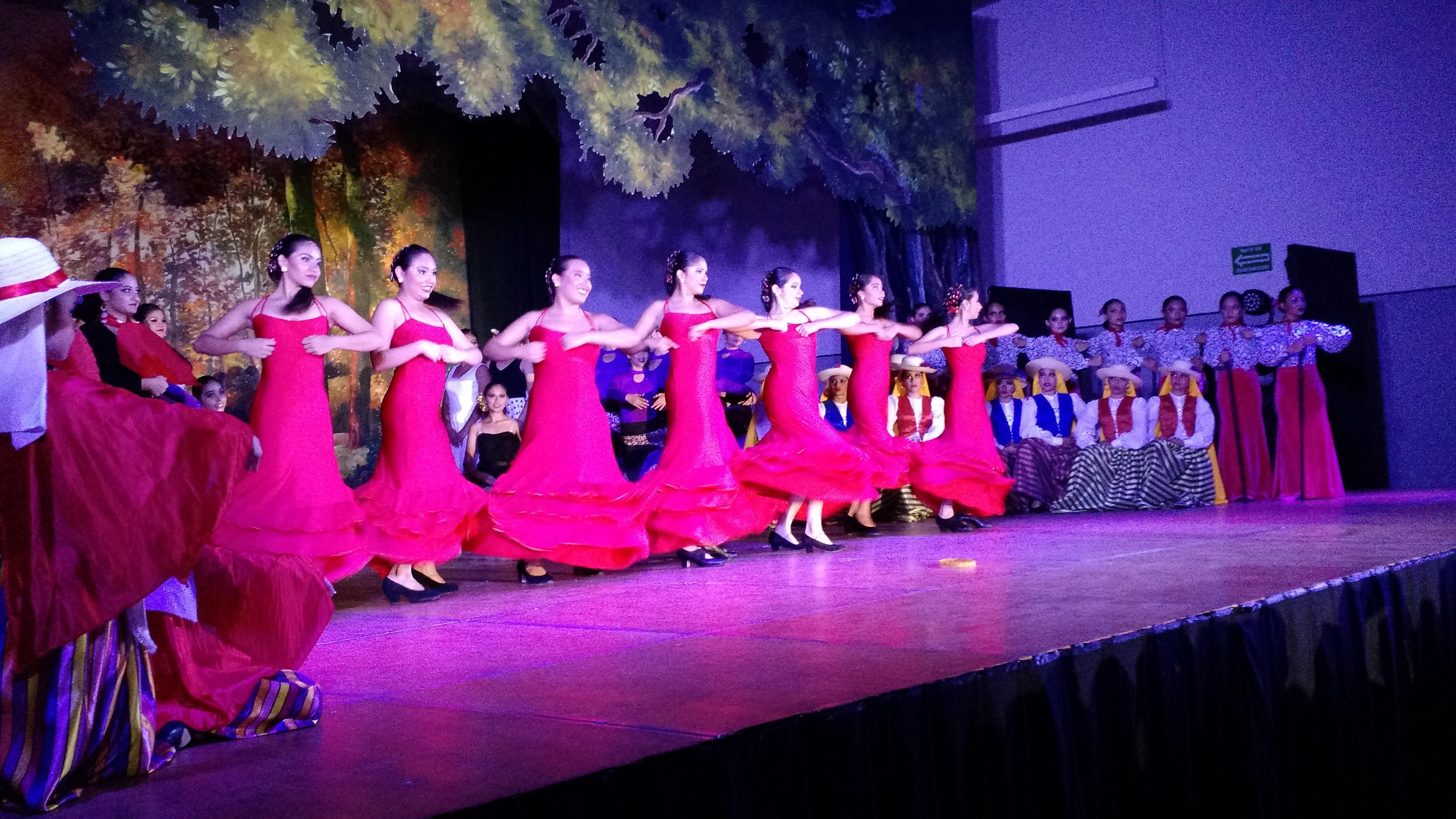 Tributo a exponentes de danza flamenca