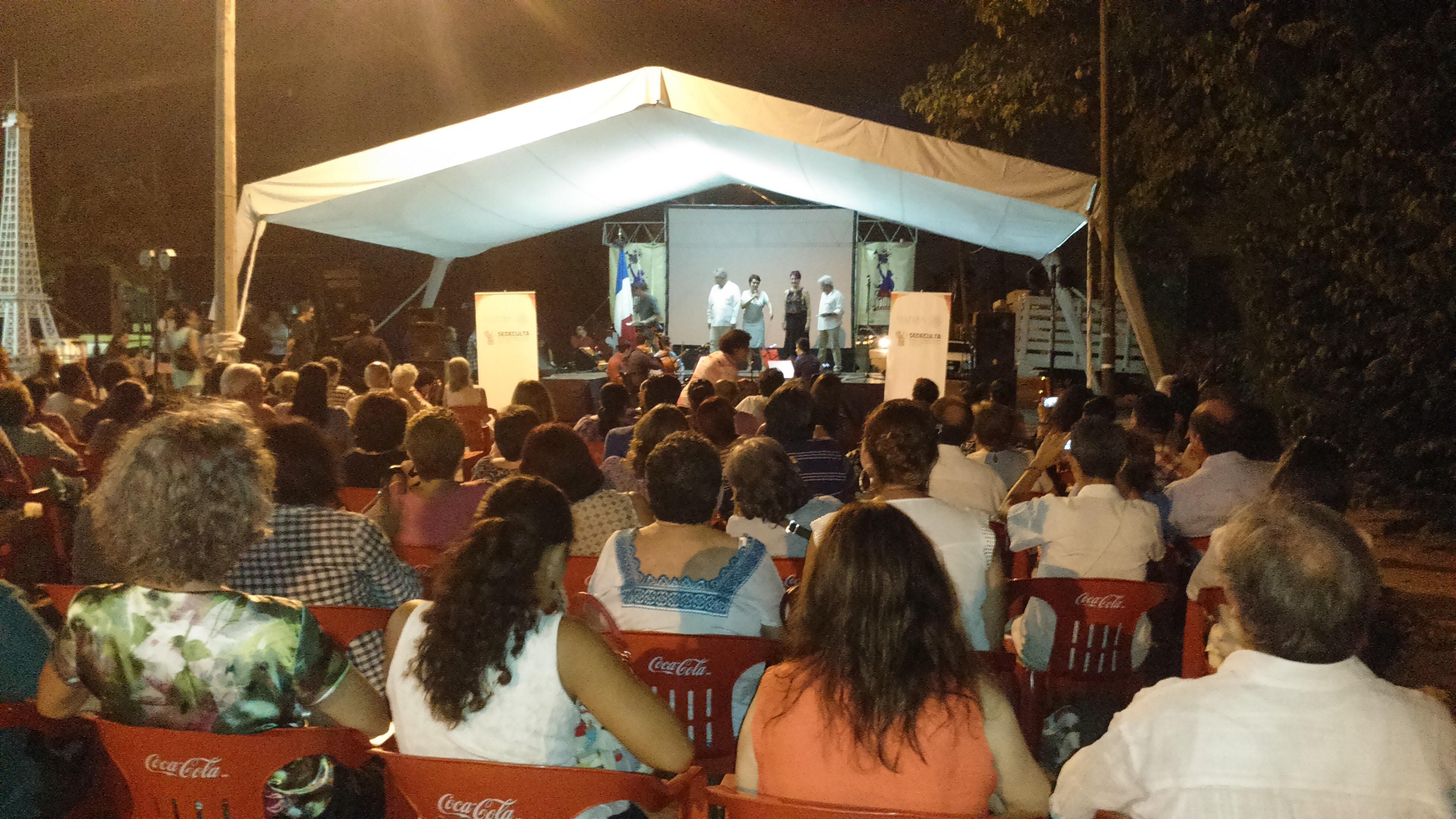 De fiesta y duelo en Alianza Francesa Mérida