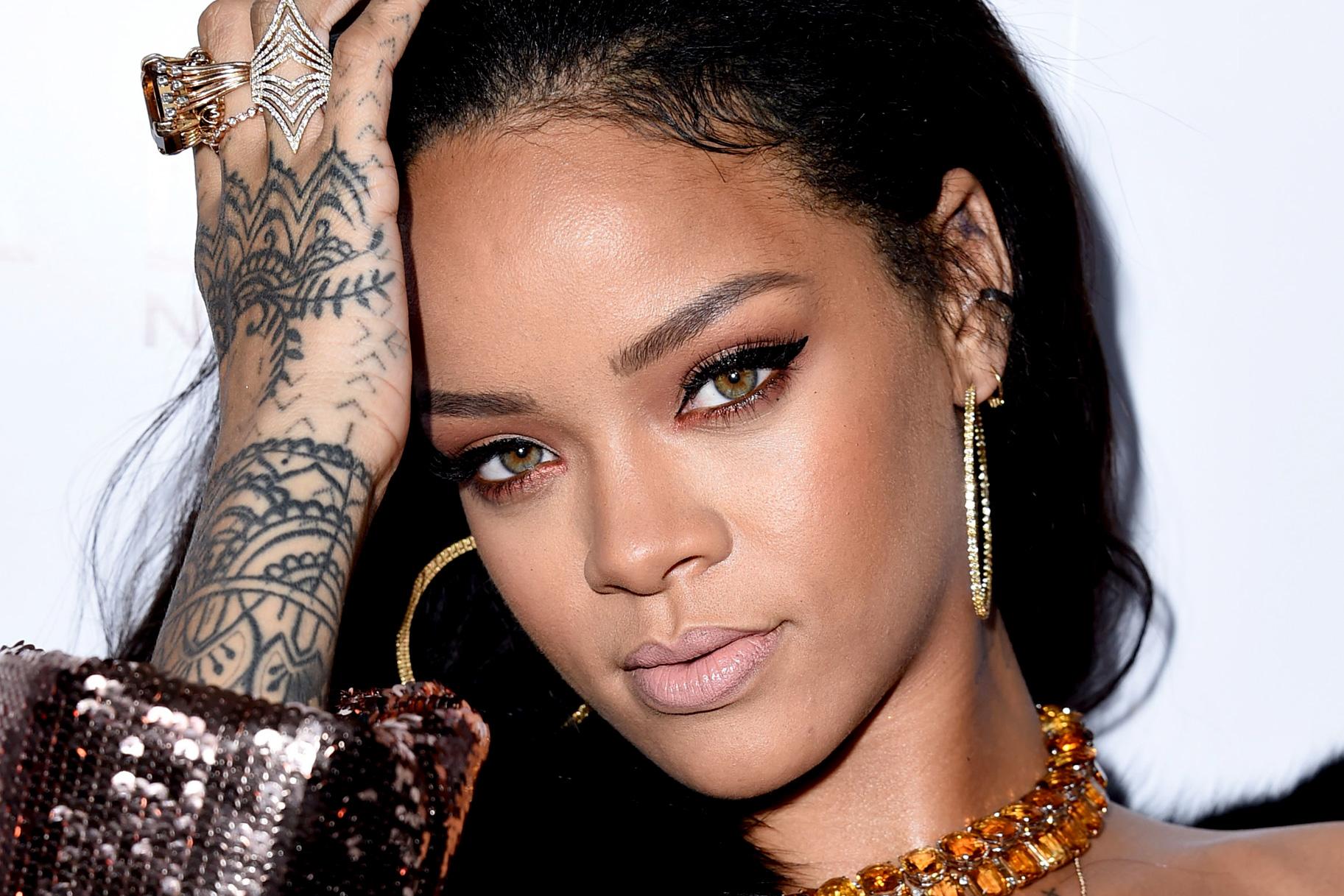 Rihanna cancela gira en Sudamérica por temor a Zika