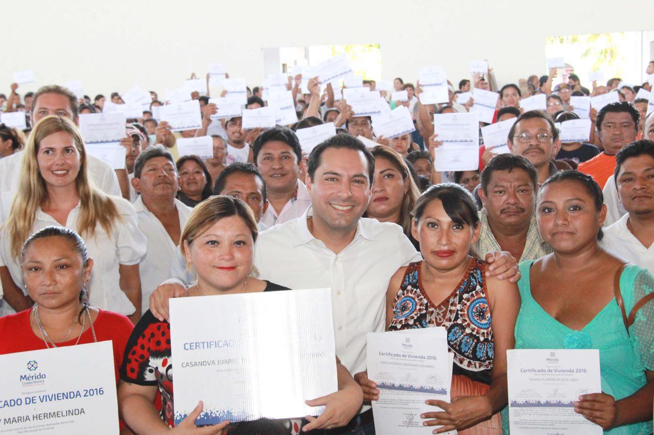 Más de 3 mil 400 meridanos beneficiados con acciones de vivienda