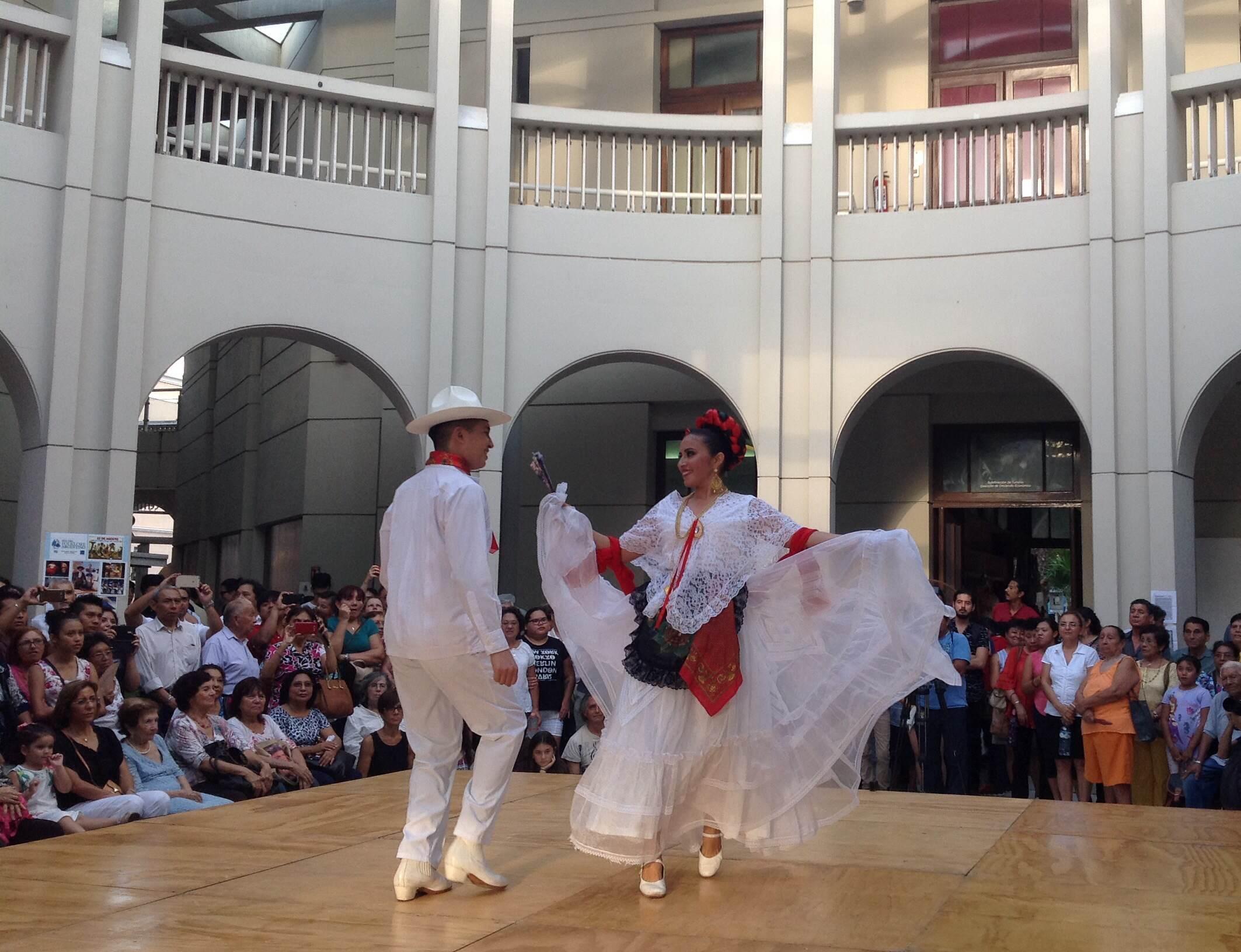Mérida celebra el Día Mundial del Folclore