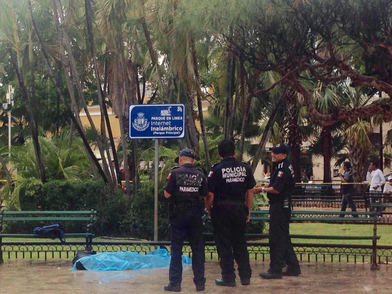Fallece de infarto joven en la Plaza Grande de Mérida