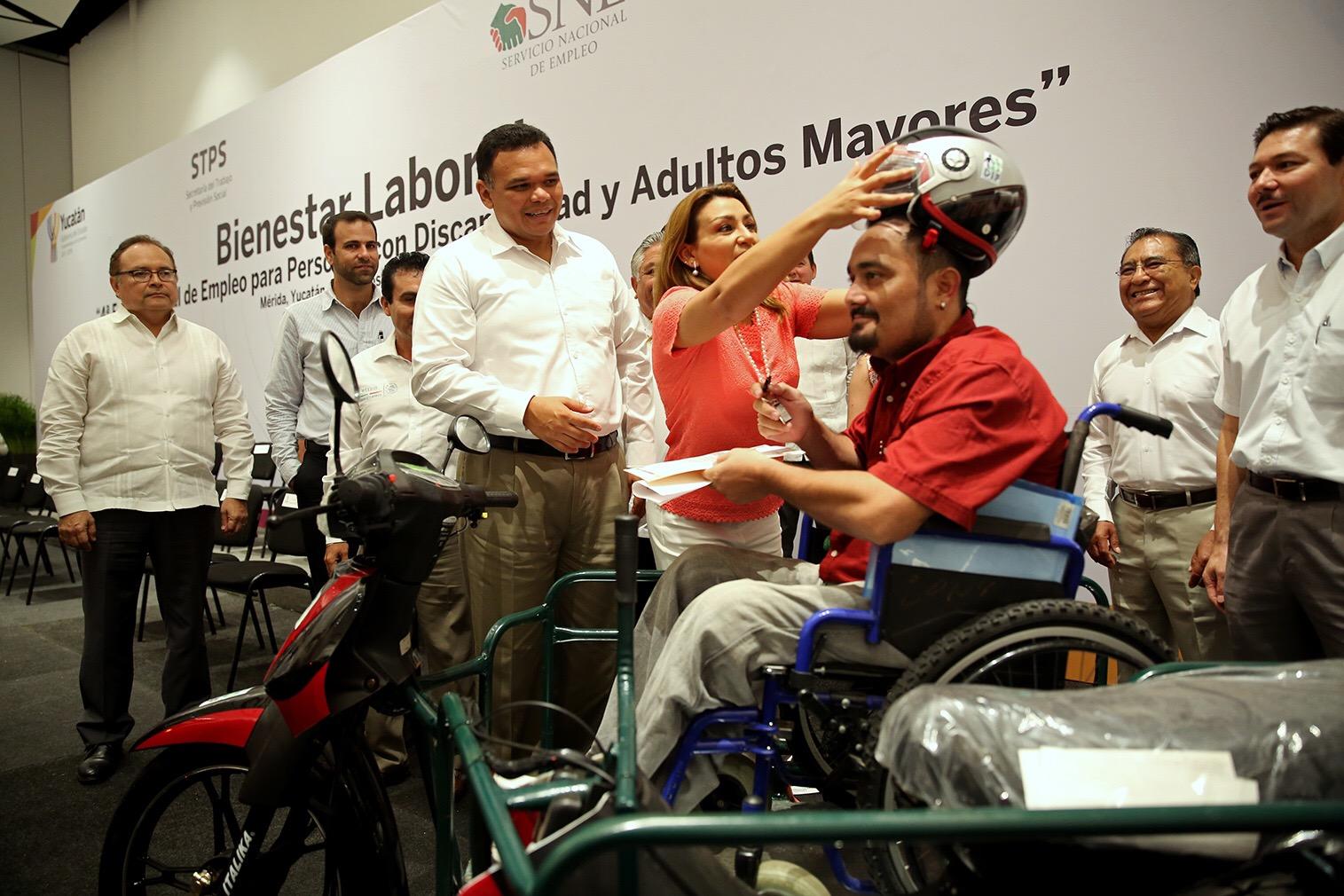 Feria de empleo para personas con discapacidad y adultos mayores