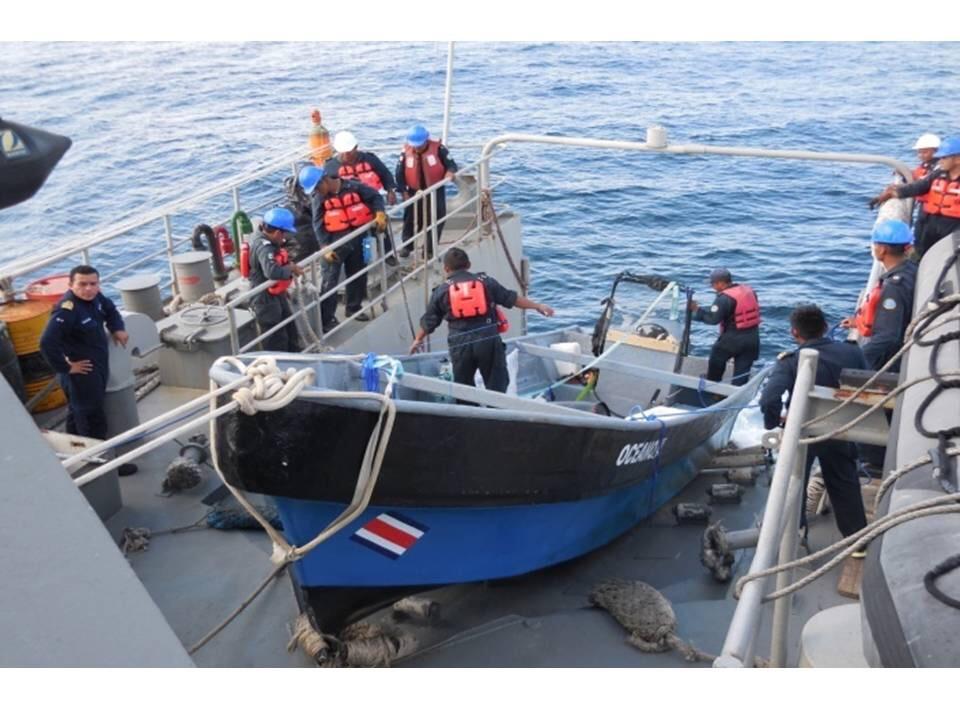 Rescatan colombianos y costarricense al noreste de Progreso