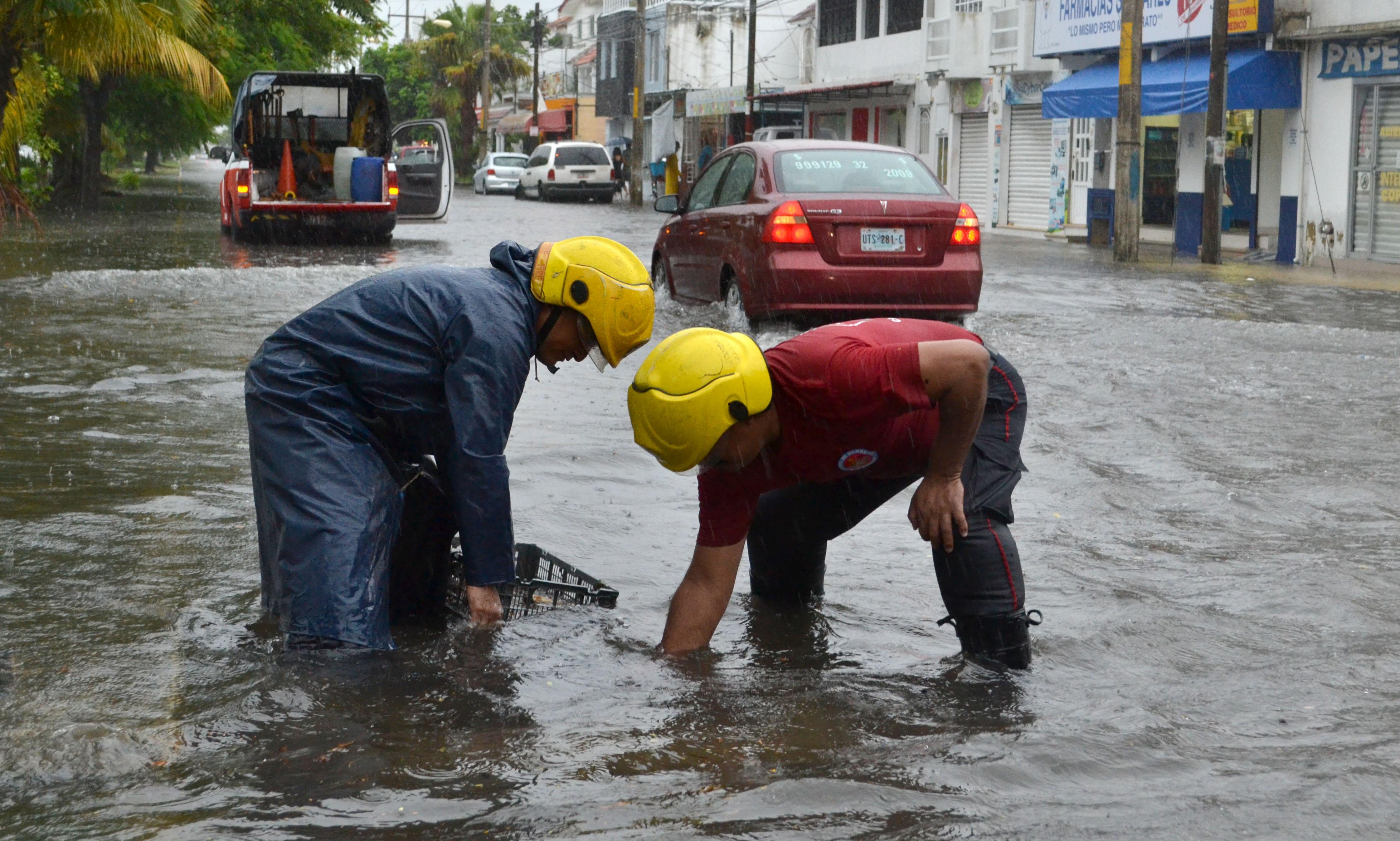 Ahogan lluvias a Cancún