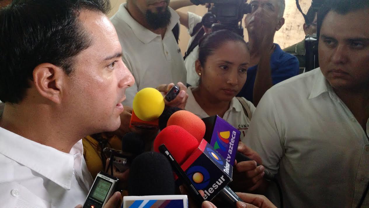 Moreno Valle y Ricardo Anaya, en informe de Vila