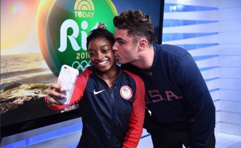 Zac Efron viaja a Brasil para conocer a gimnasta