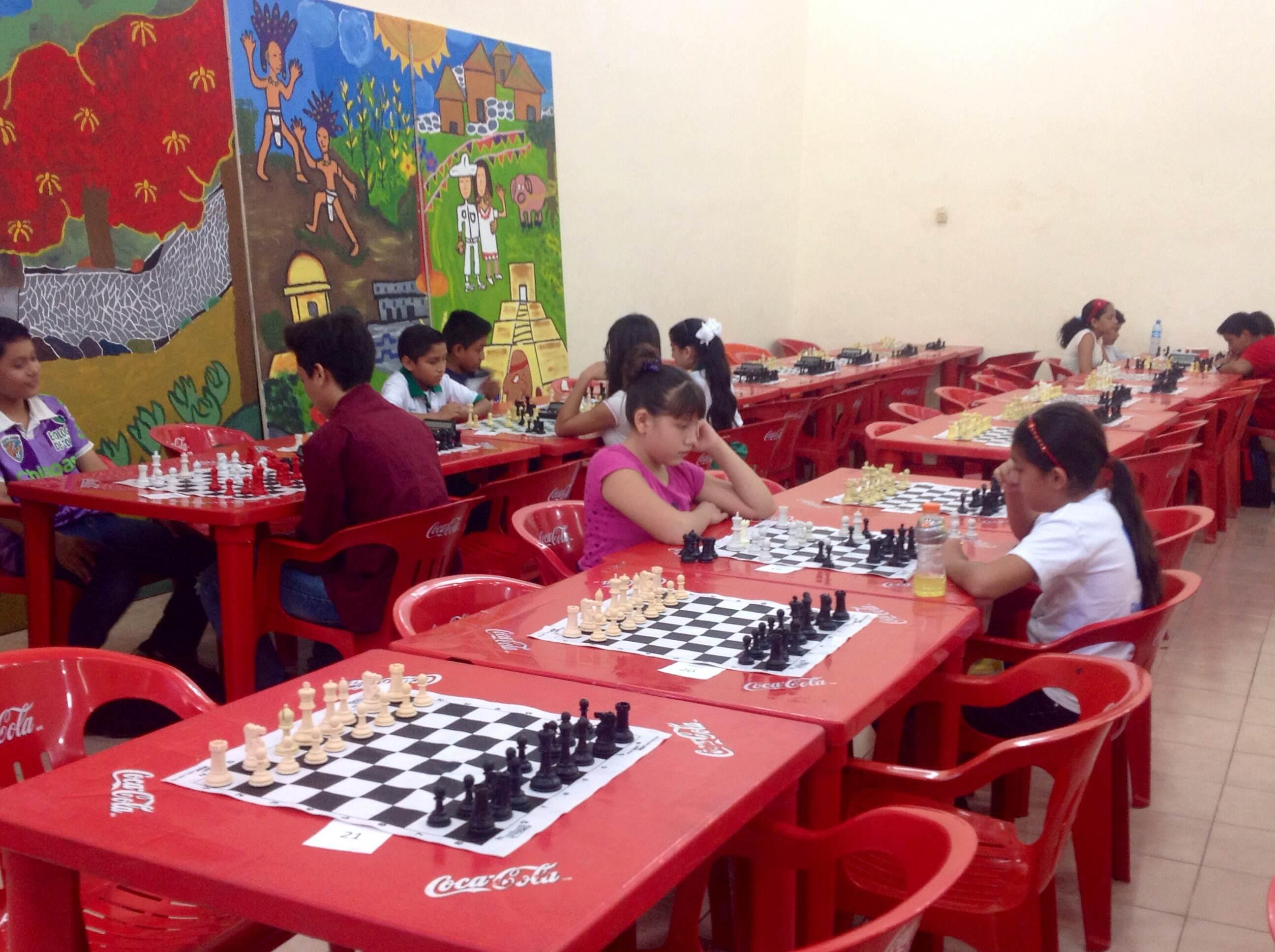Ejercitan la mente con ajedrez