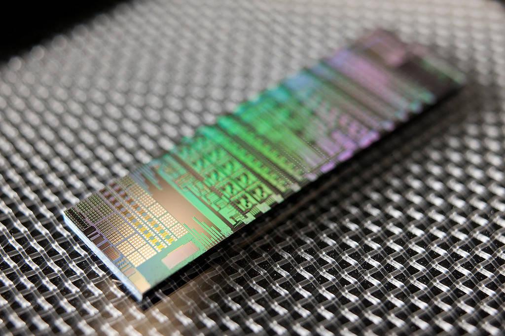 Mexicana busca lograr transmisión de datos… a velocidad de la luz