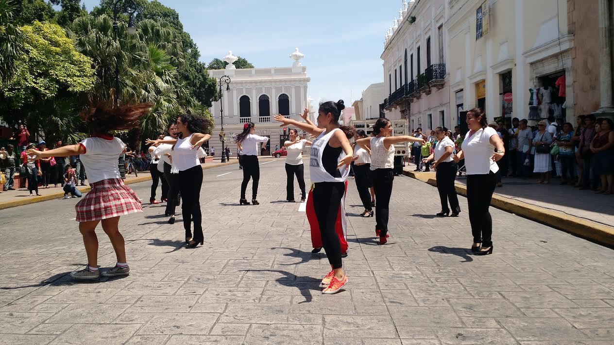 """""""Flashmob"""" de flamenco sorprende a meridanos"""