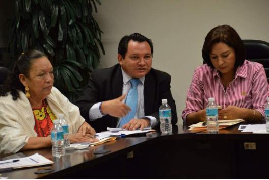 Castigan recortes a mexicanos más pobres.- Legislador