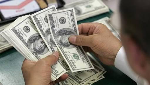 ¿Salud de Hillary Clinton afectó precio del dólar?