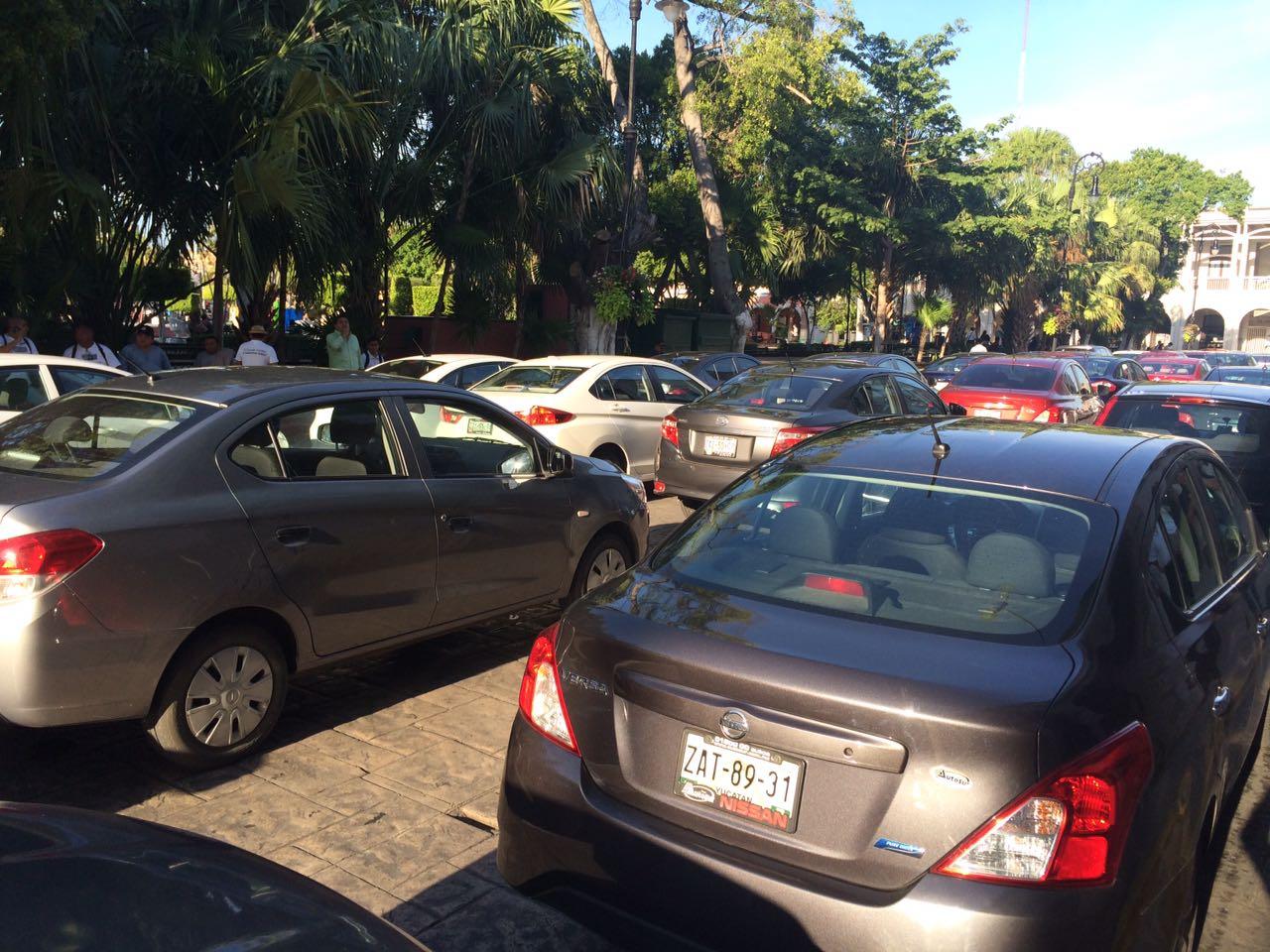 Choferes de Uber en Mérida protestan tras golpiza a compañero