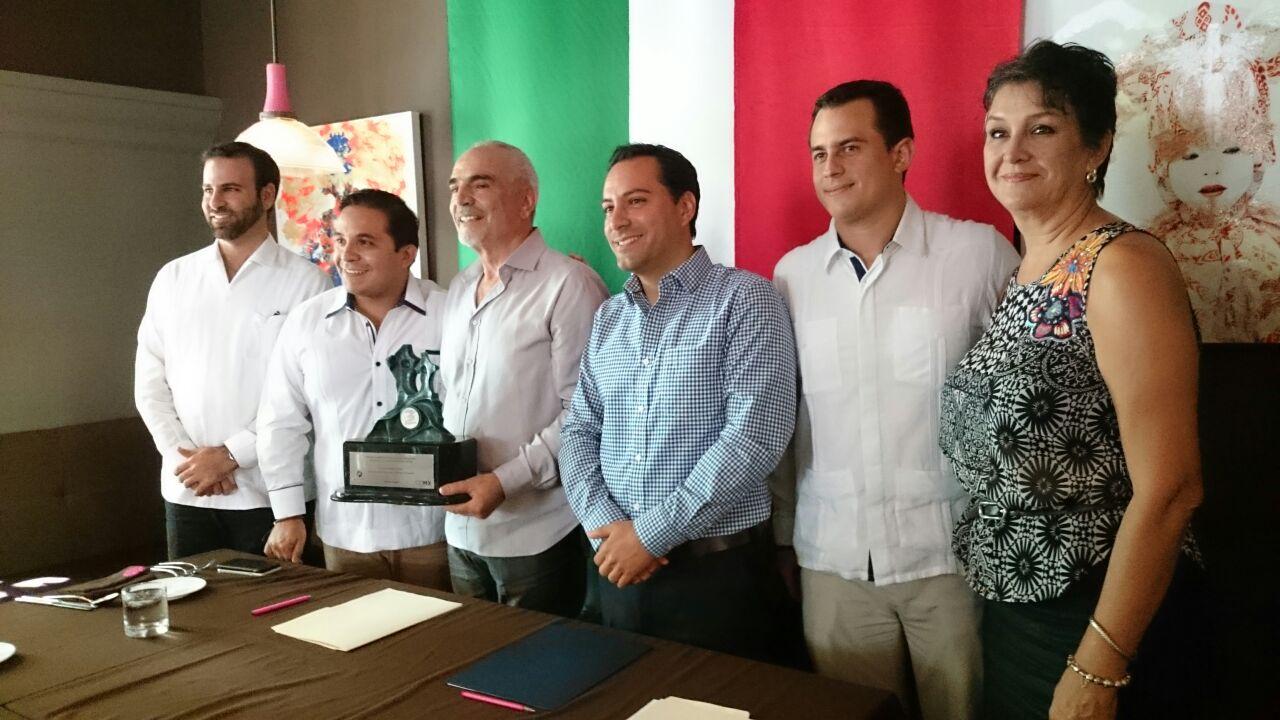Restaurante Rosas & Xocolate recibe premio nacional de Canirac