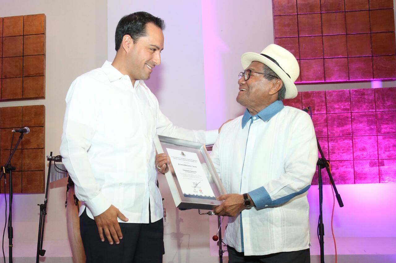 """Manzanero, Embajador de """"Mérida, Capital Americana de Cultura"""""""