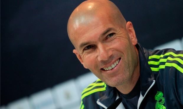 """Zidane: """"A Cristiano no le pasa nada; está tranquilo"""""""