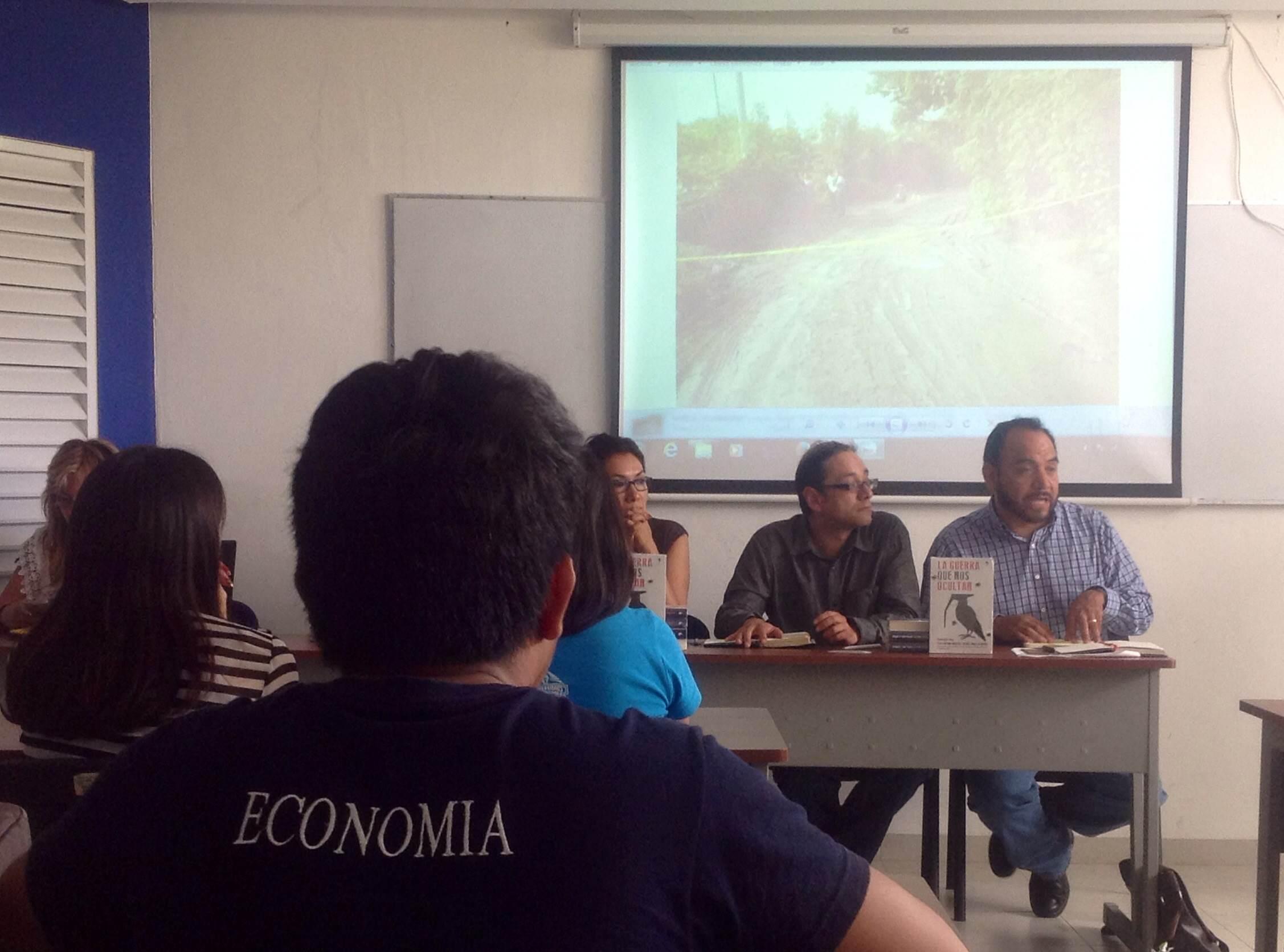 Presentan en libro 'verdad alternativa' de Ayotzinapa
