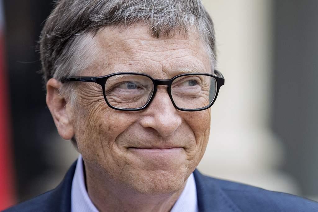 Gates sigue siendo el más rico de EU; Trump cae al puesto 156